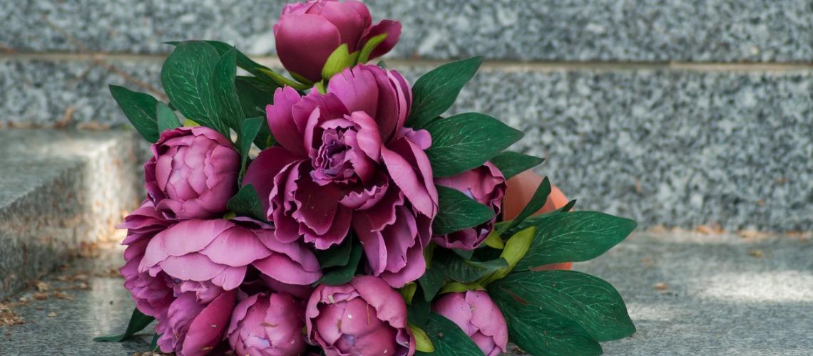 fleurs artificielles enterrement