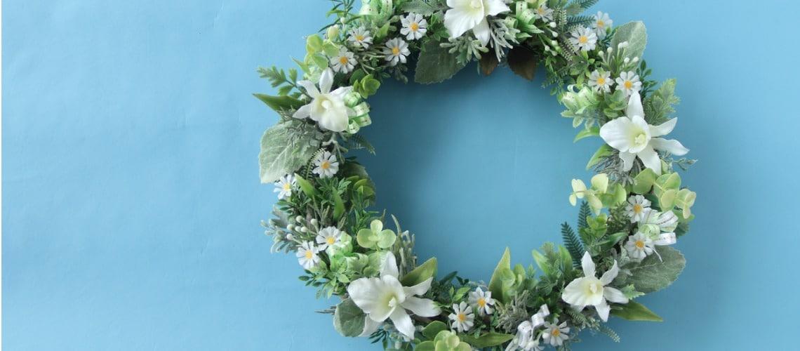 décorations et fleurs pour une crémation